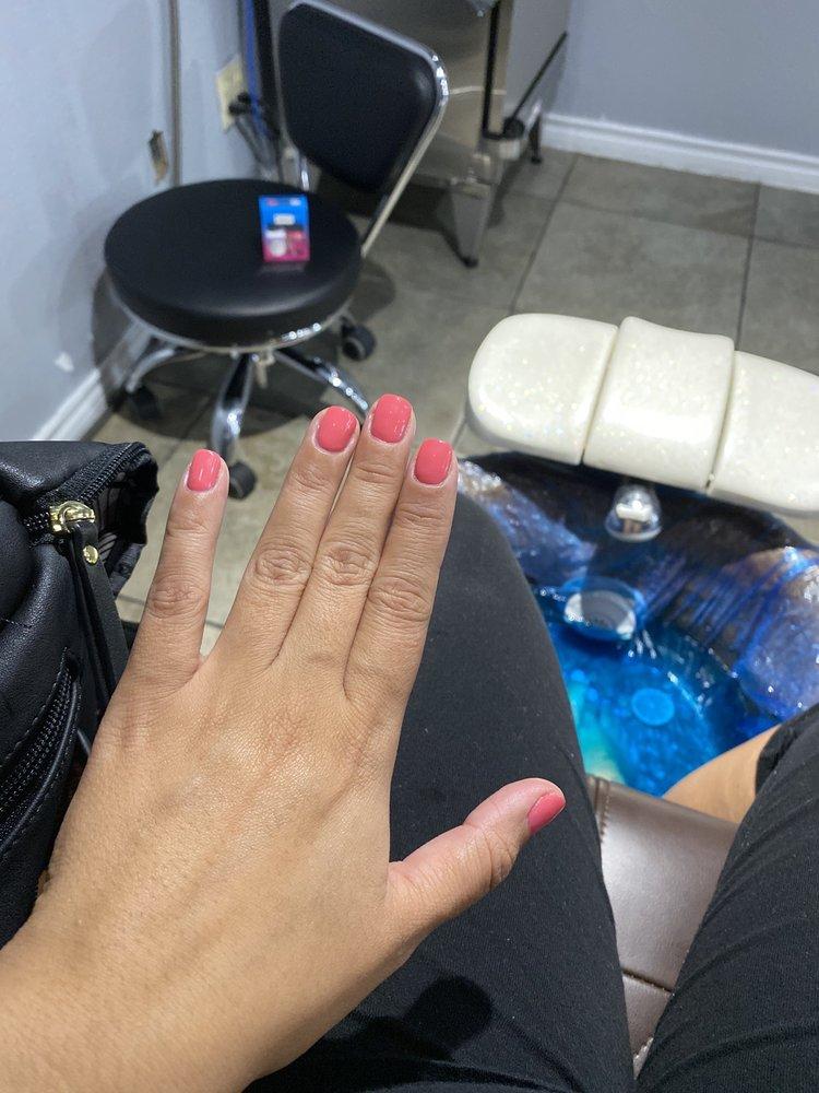 Select Nails & Spa: 6423 McPherson Rd, Laredo, TX