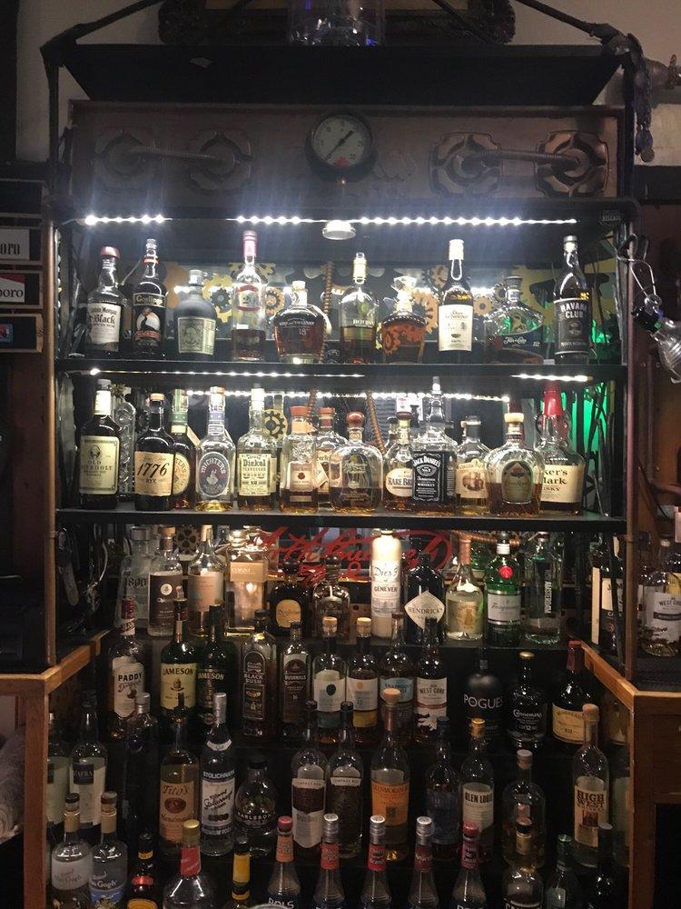 Cullen's Tannery Pub & Saloon: 131 1st St, Benicia, CA