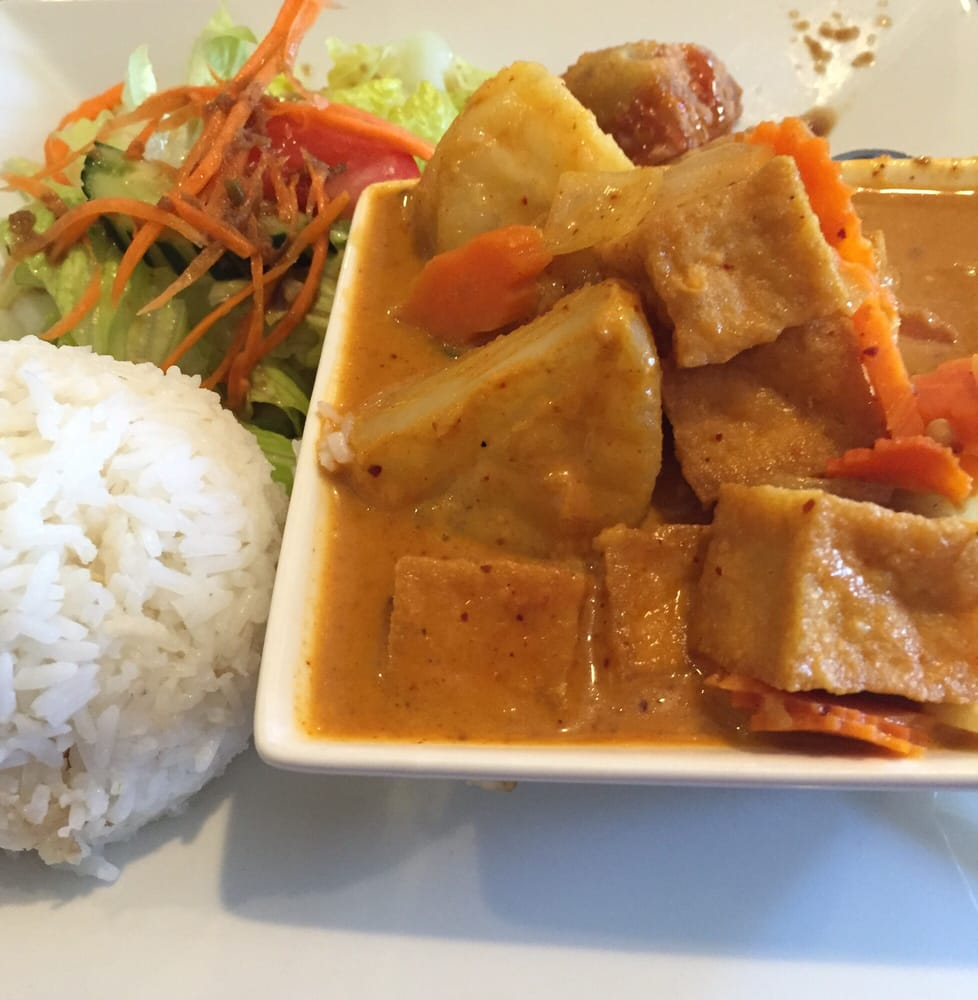 Yellow curry with tofu lunch special yelp for 22 thai cuisine yelp
