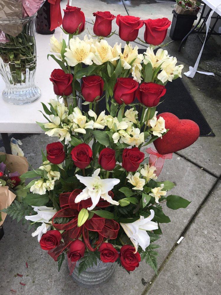 Valencia Florist 43 Photos Florists 955 Stonypoint
