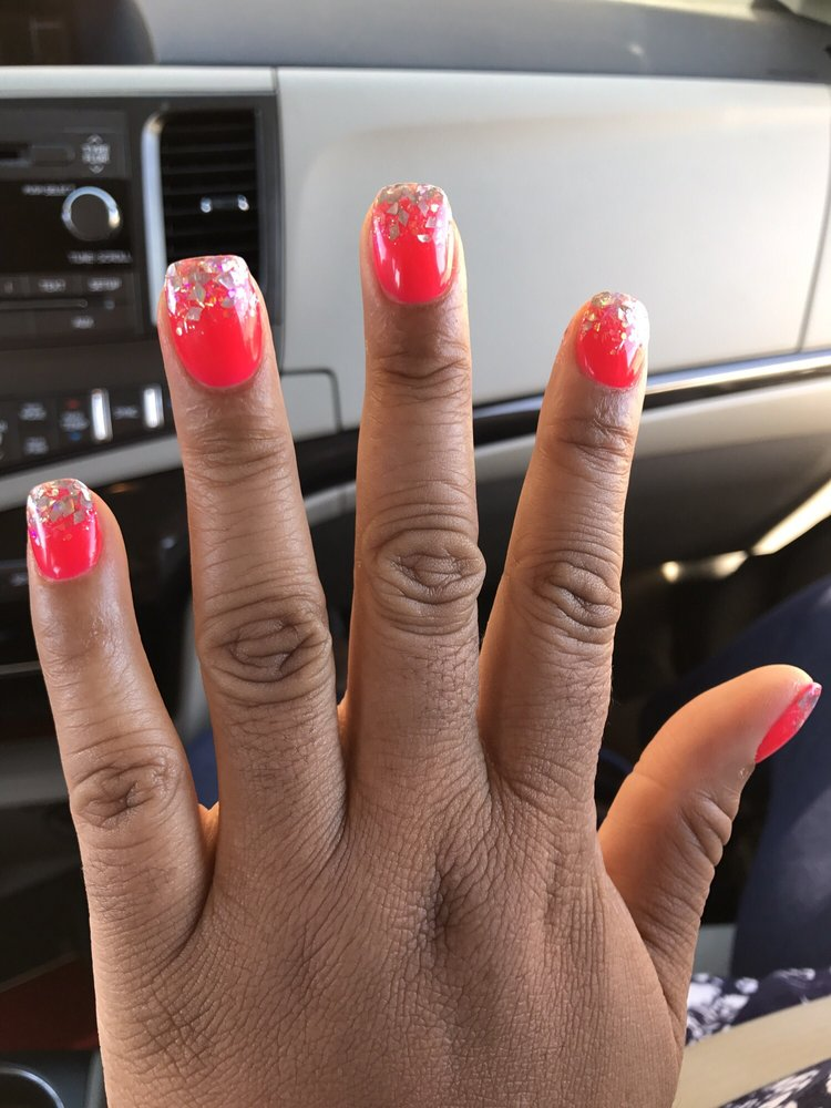 J&J Nails: 6447 Old Alexandria Ferry Rd, Clinton, MD