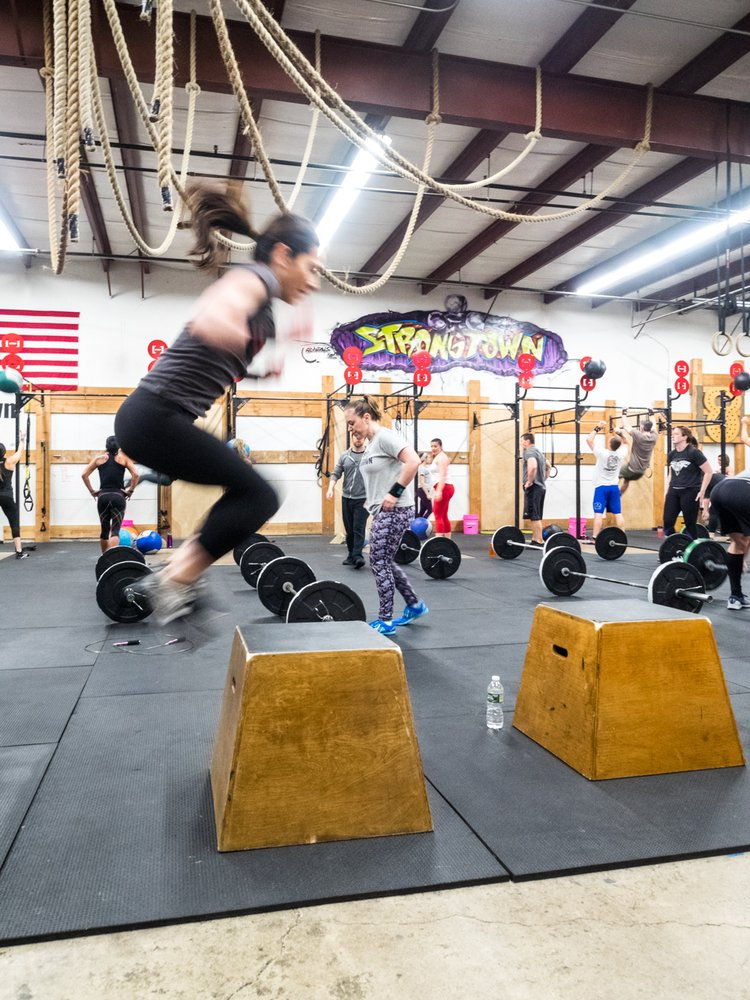 CrossFit Strongtown: 1432 Old Waterbury Rd, Southbury, CT