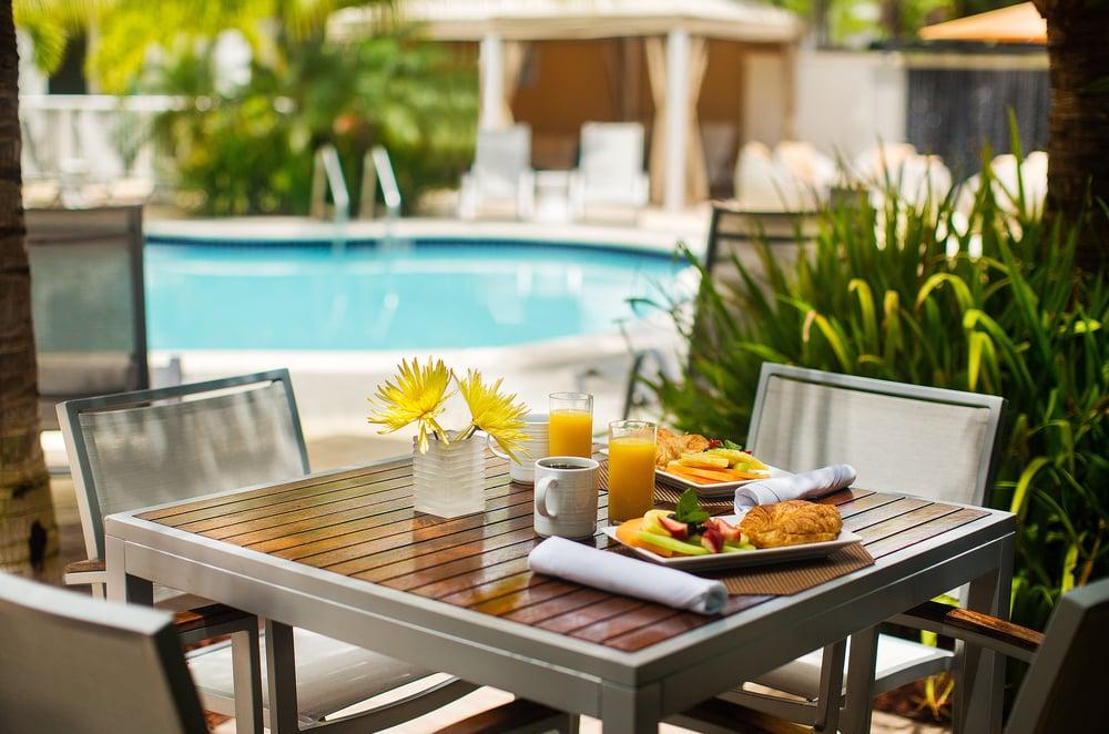 Hotel Urbano: 2500 Brickell Ave, Miami, FL