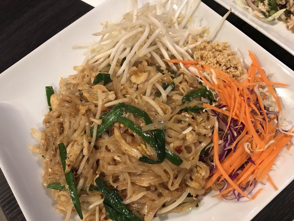 Five Sisters Thai Cuisine: 14252 SE 176th St, Renton, WA