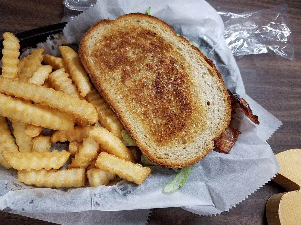 Jen's Diner: 3933 S Westwood Blvd, Poplar Bluff, MO