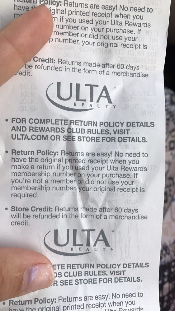Ulta delivered Q3 results that were overall good if we exclude the rising gross margin pressure. The first thought many investors had is that this is a great buy-on-the-dip opportunity.