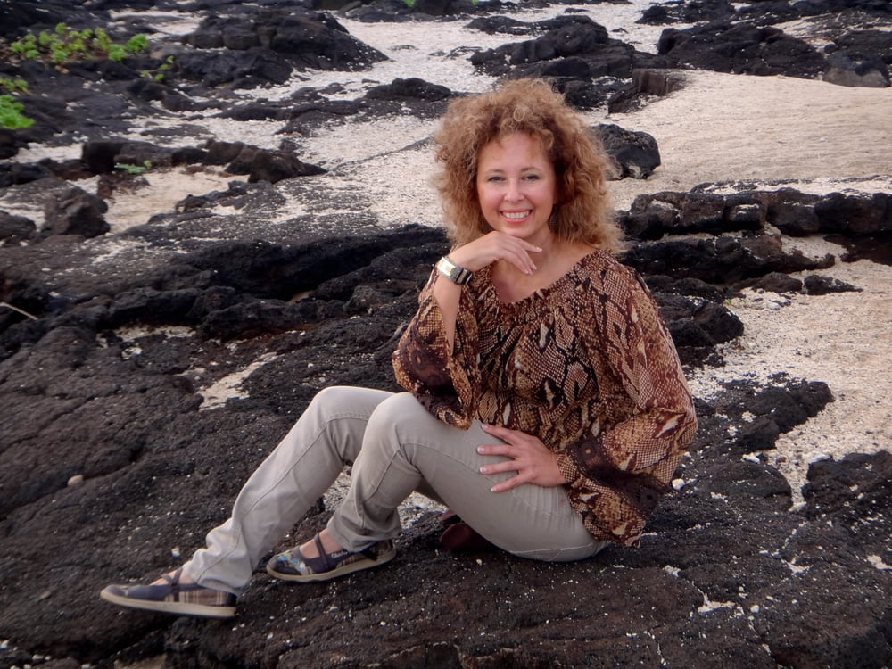 Debra Lopez Molina: 99-185 Moanalua Rd, Aiea, HI