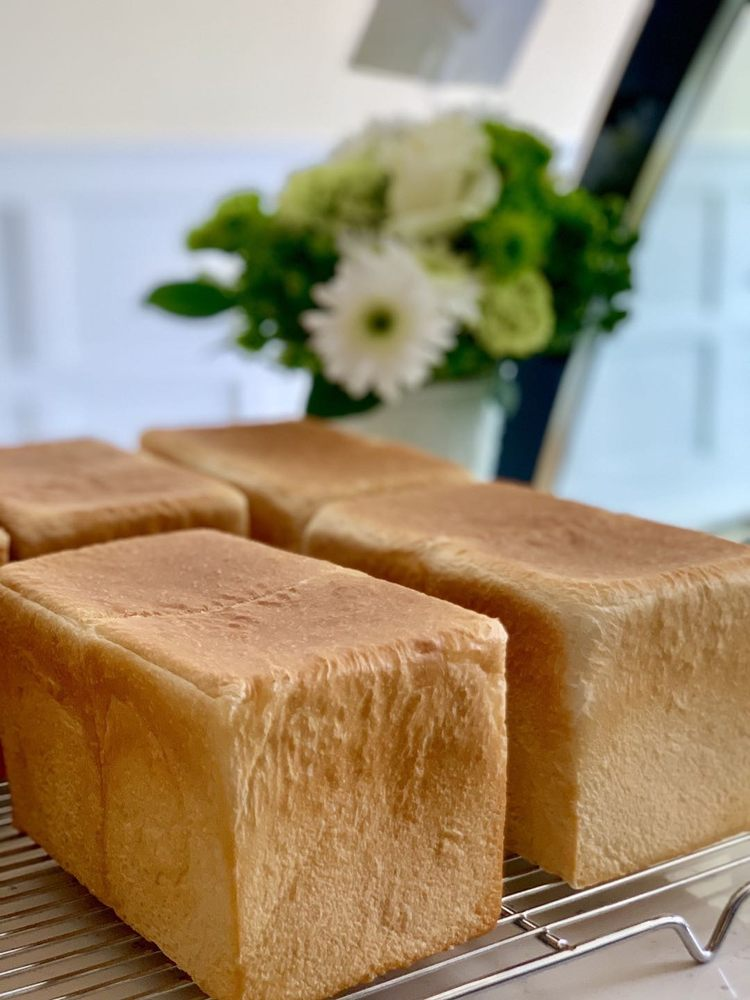 BoBo Z Bakery: 9 Miller Rd, Mahwah, NJ