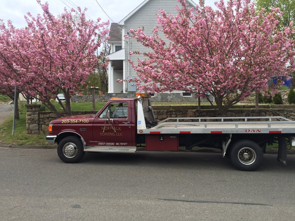 Towing business in Darien, CT