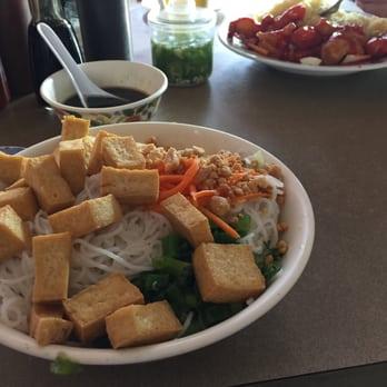 Viet huong 72 photos 84 reviews vietnamese 7919 e for Viet huong fish sauce