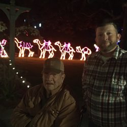 Bellingraths Magic Christmas In Lights 25 Photos Festivals