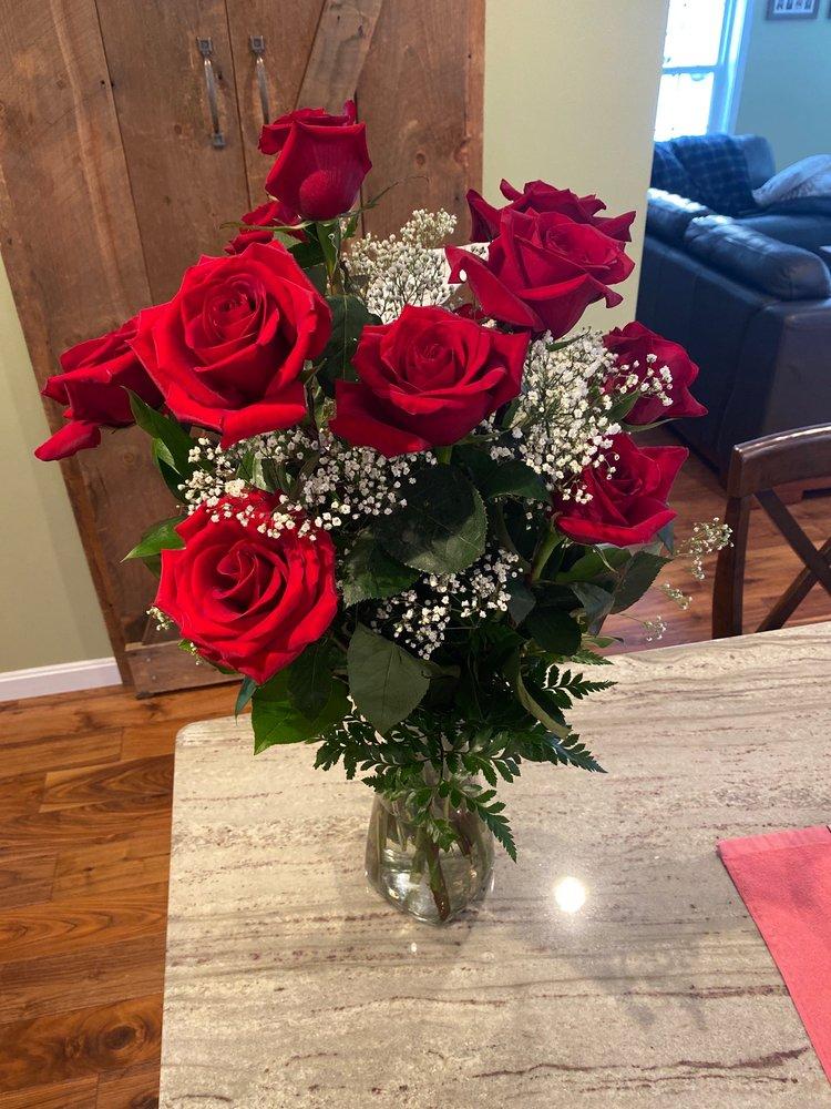Prescott's Florist, LLC: 23 Veterans Square, Laconia, NH
