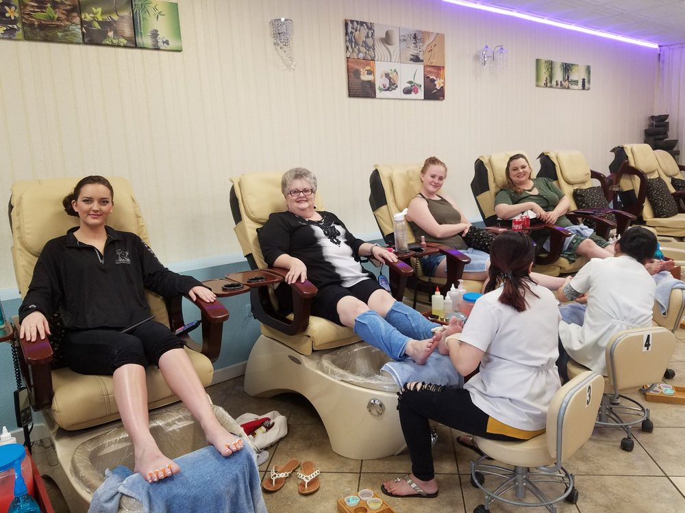 Pro Nails: 200 W Grand Ave, Grand Junction, CO