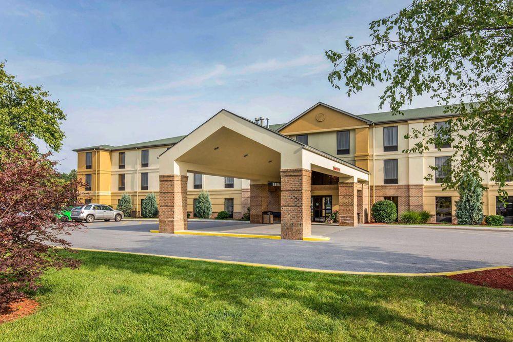 Comfort Inn Duncansville - Altoona: 130 Patchway Rd, Duncansville, PA