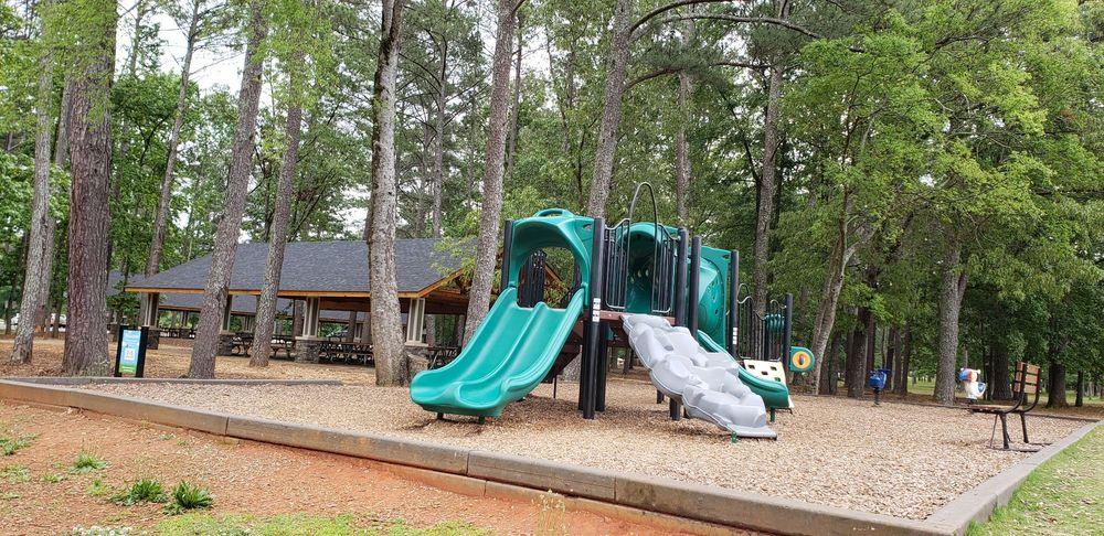 Dellinger Park: 100 Pine Grove Rd, Cartersville, GA