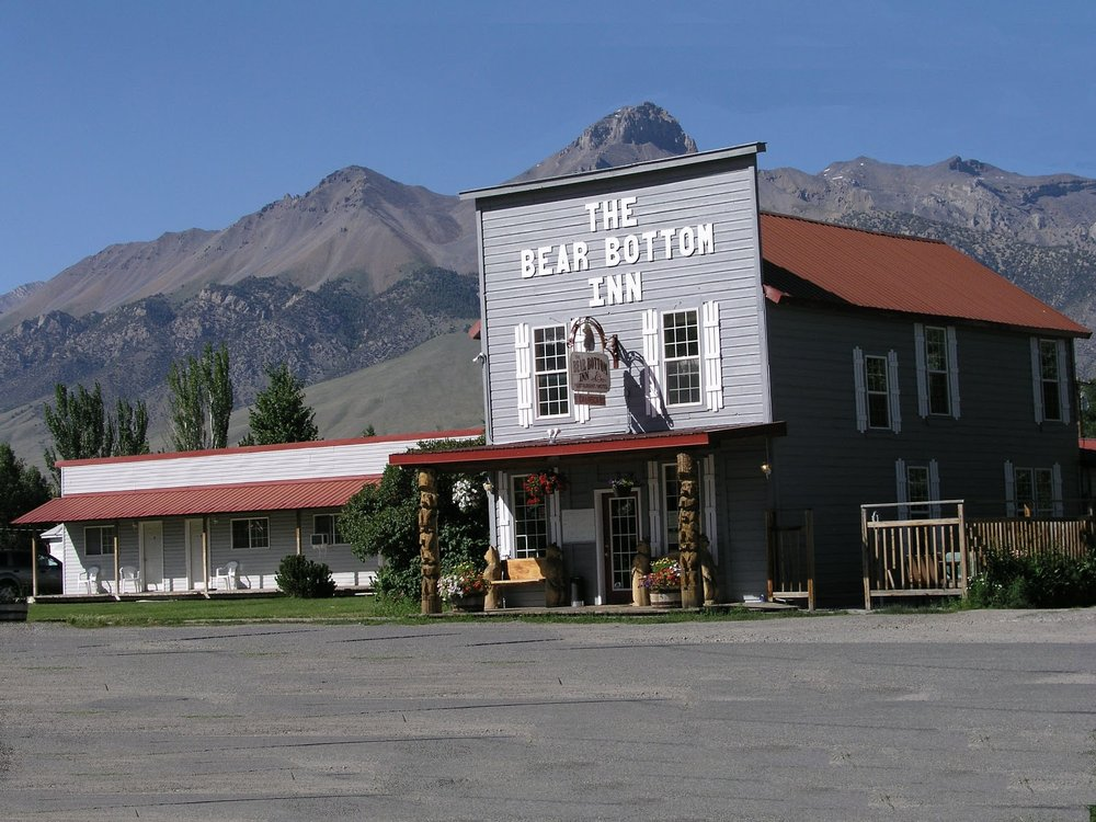 The Bear Bottom Inn: 418 Spruce St, Mackay, ID