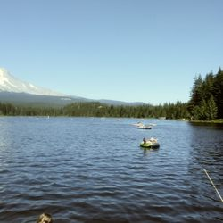 6e73baf08f1 Photo of Trillium Lake - Government Camp, OR, United States. Looking North  from