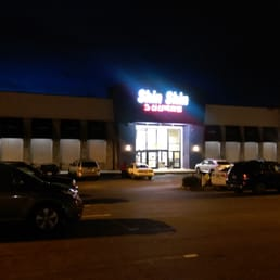 Photo of Shin Shin Enterprises - Lakewood, WA, United States. Shin Shin from the outside late on a Saturday night.