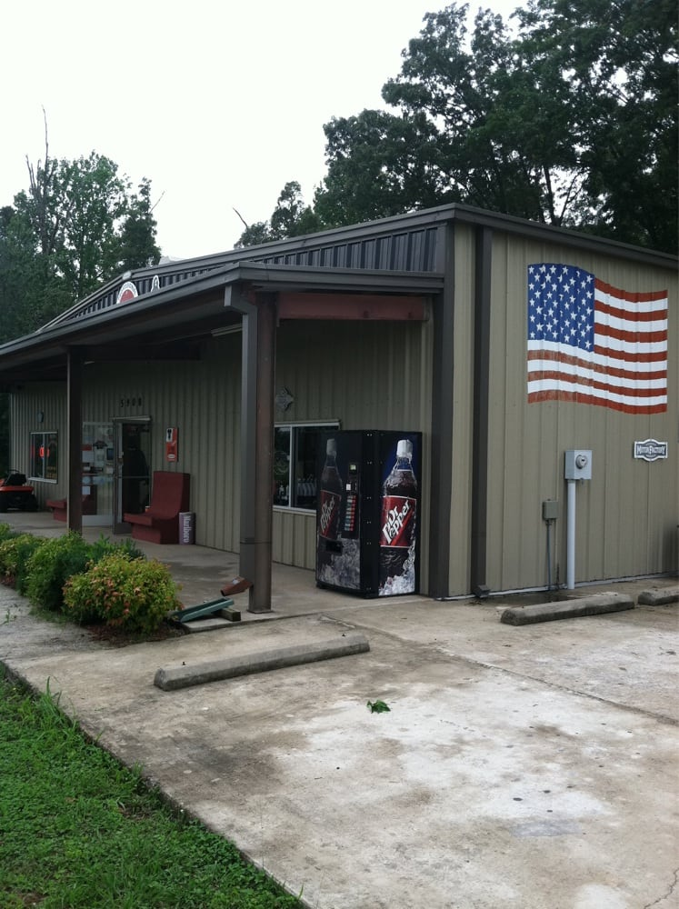 Tennessee's Best Dan's Harley Davidson Service: 5908 Memorial Hwy, Quebeck, TN