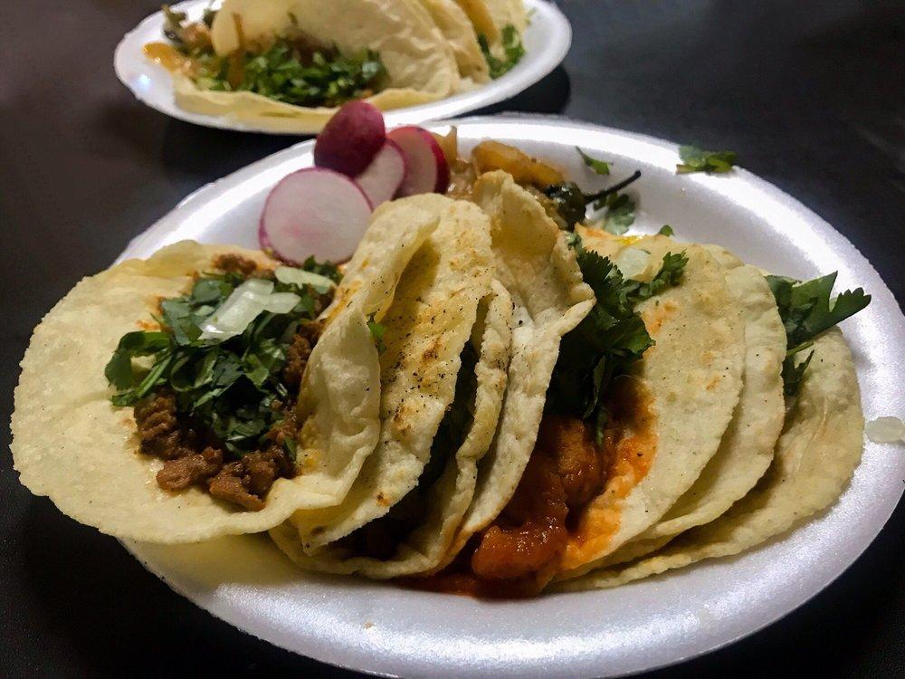 Tacos Mary's