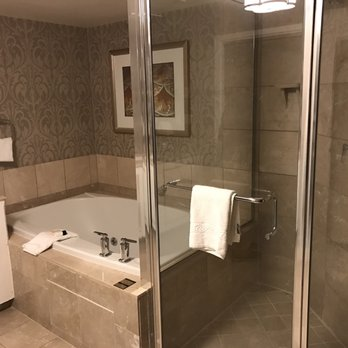hotel inn room blog with guest las hot hotels rtf in secrets orbitz tahoe ca hottest lake tub vegas