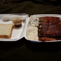 Photo Of Hank S 1 Bbq Columbus Ms United States A Plate