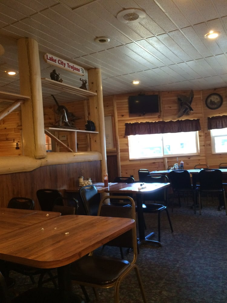 Family Diner and Pizzeria: 113 W Brown St, Beaverton, MI