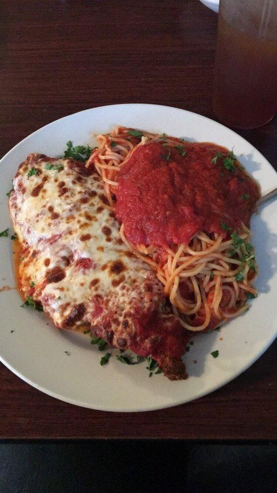 Roma's Italian Restaurant: 1602 S Washington St, Beeville, TX