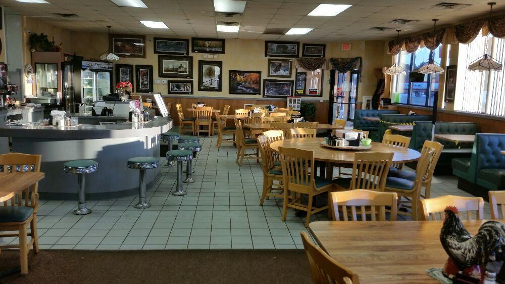 Schultz's Cozy Cafe: 112 US Hwy 45 N, Tigerton, WI