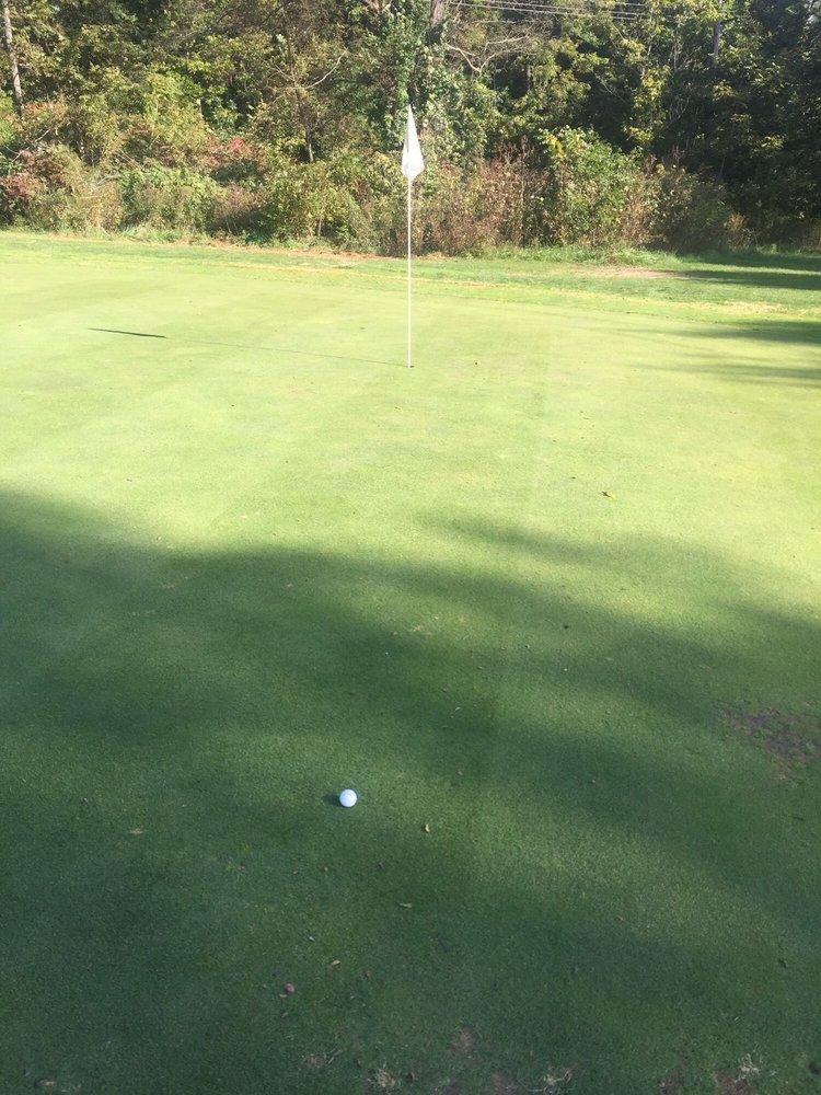 Marimack Golf Complex: 525 S Marimack Dr, Kearney, MO