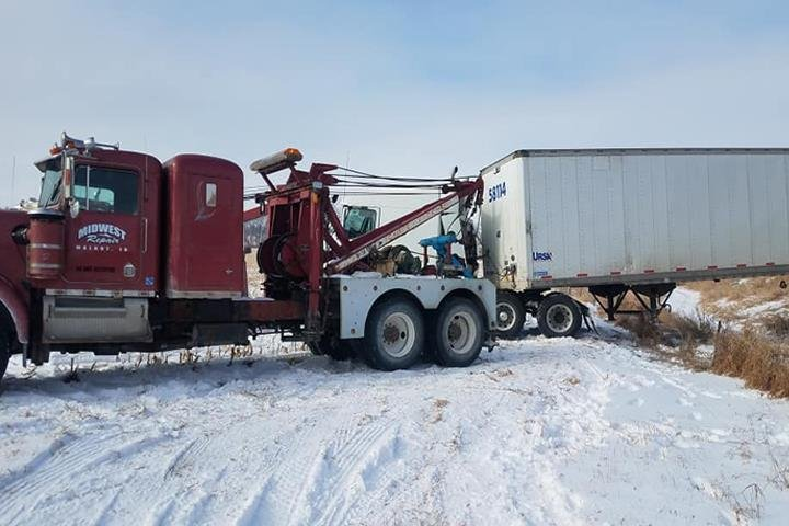 Midwest Towing: 1514 Antique City Dr, Walnut, IA