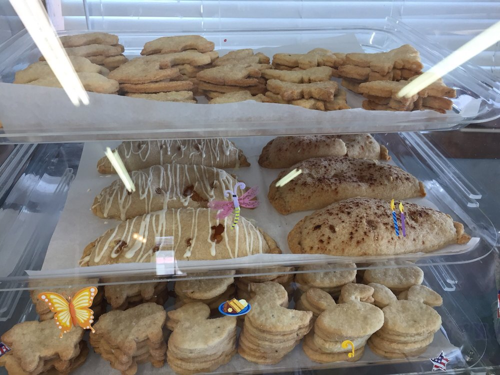 Frank's Eats and Sweets: 2366 Hwy 22, Questa, NM