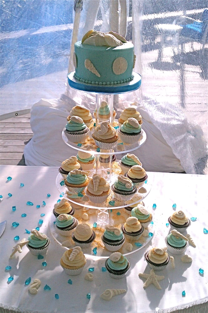 wedding cake melbourne fl wedding cake and cupcakes with white chocolate 23243