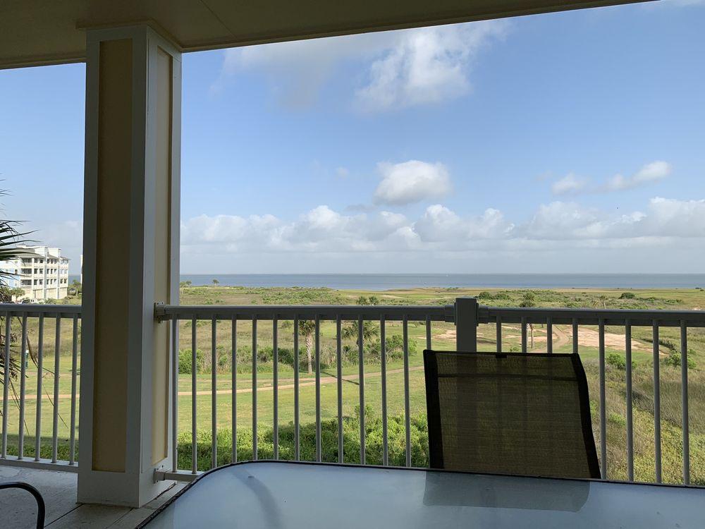 Pointe West Beach Club: 4161 Pointe W Dr, Galveston, TX
