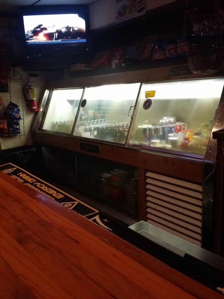 Rod's Mint Bar and Cafe: 102 E Main St, Froid, MT