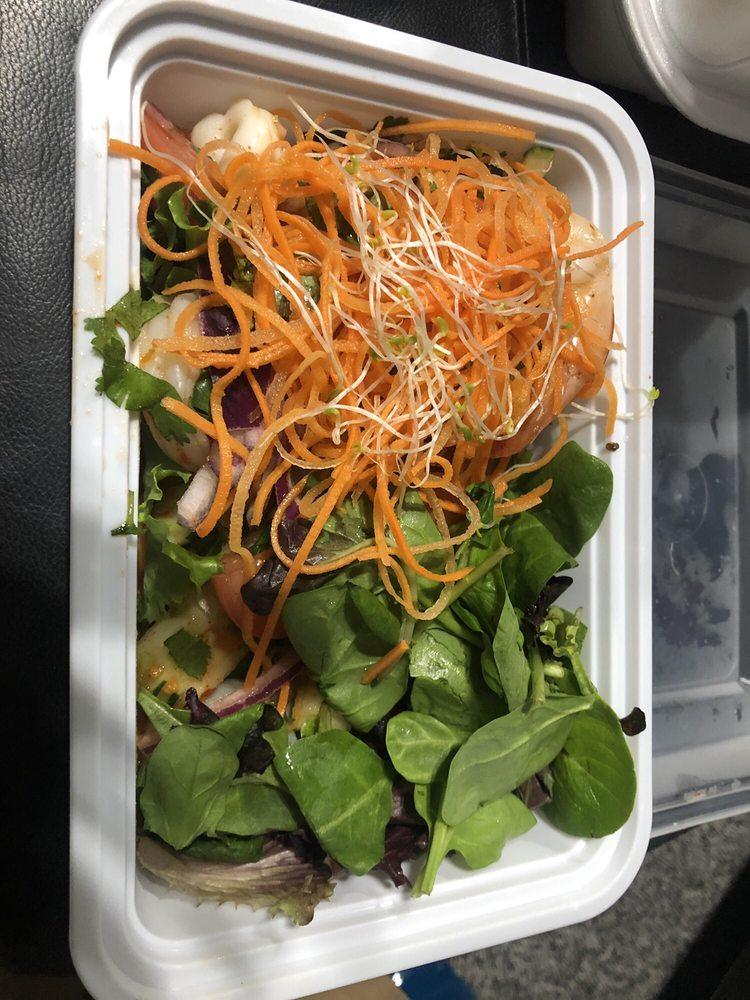 Mango Thai: 610 Selby Ave, Saint Paul, MN