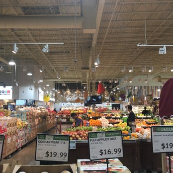 H mart asian grocery