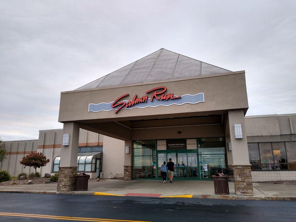Salmon Run Mall: 21182 Salmon Run Mall Lp W, Watertown, NY