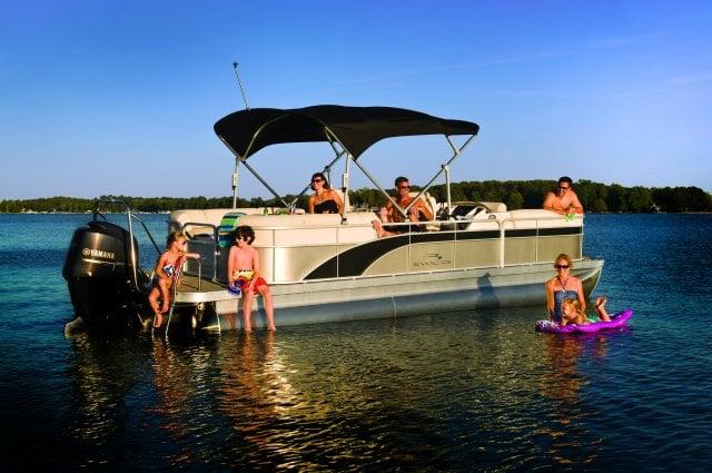 Bubbas Boats: 3845 Chain O Lakes Rd, Eagle River, WI