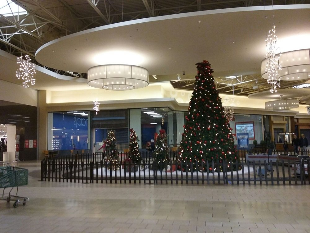 Pittsburgh Mills Mall: 590 Pittsburgh Mills Cir, Tarentum, PA