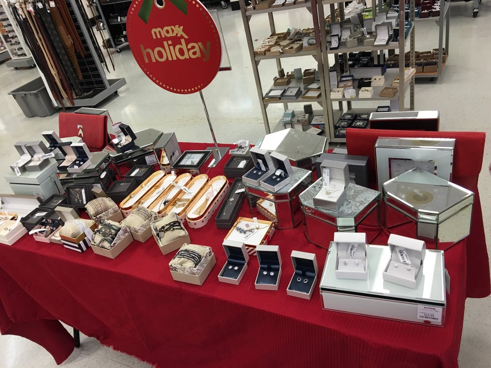 holiday jewelry display laid out in the aisle yelp. Black Bedroom Furniture Sets. Home Design Ideas