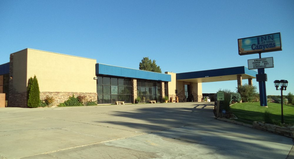 Inn at the Canyons: 533 N Main St, Monticello, UT