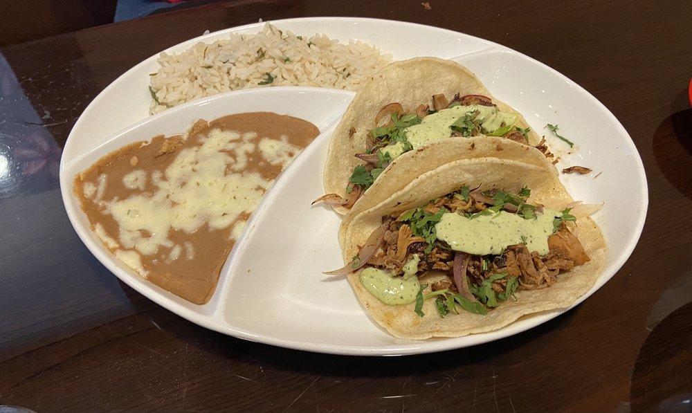 Las Catrinas Mexican Restaurant: 2330 N Maize Rd, Wichita, KS