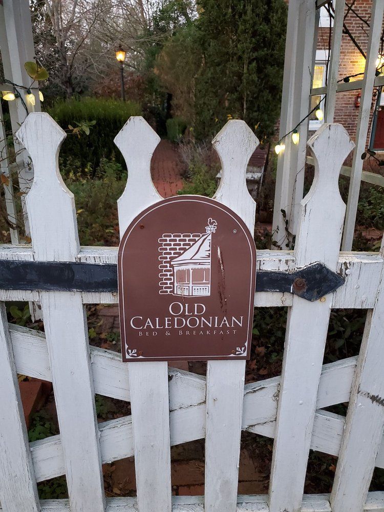 Old Caledonian Bed & Breakfast: 116 S State Hwy 21, Caledonia, MO
