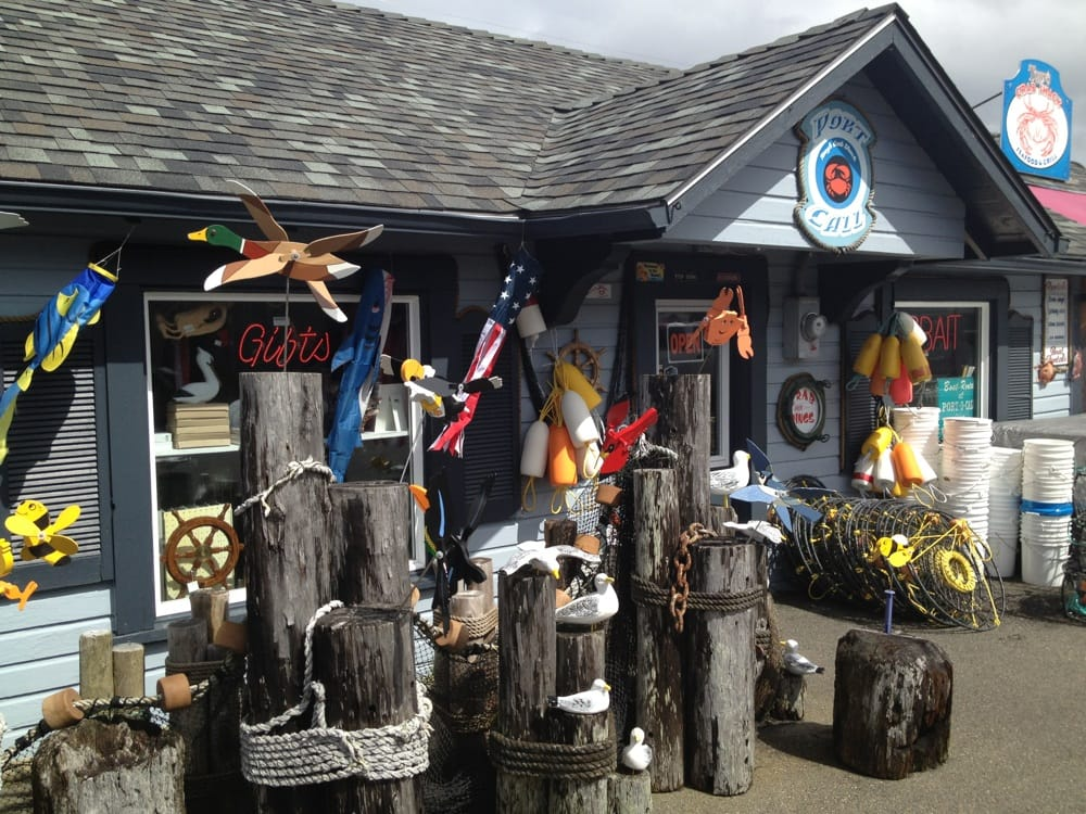 Port-O-Call Bait & Tackle Shop: 155 1st St SW, Bandon, OR