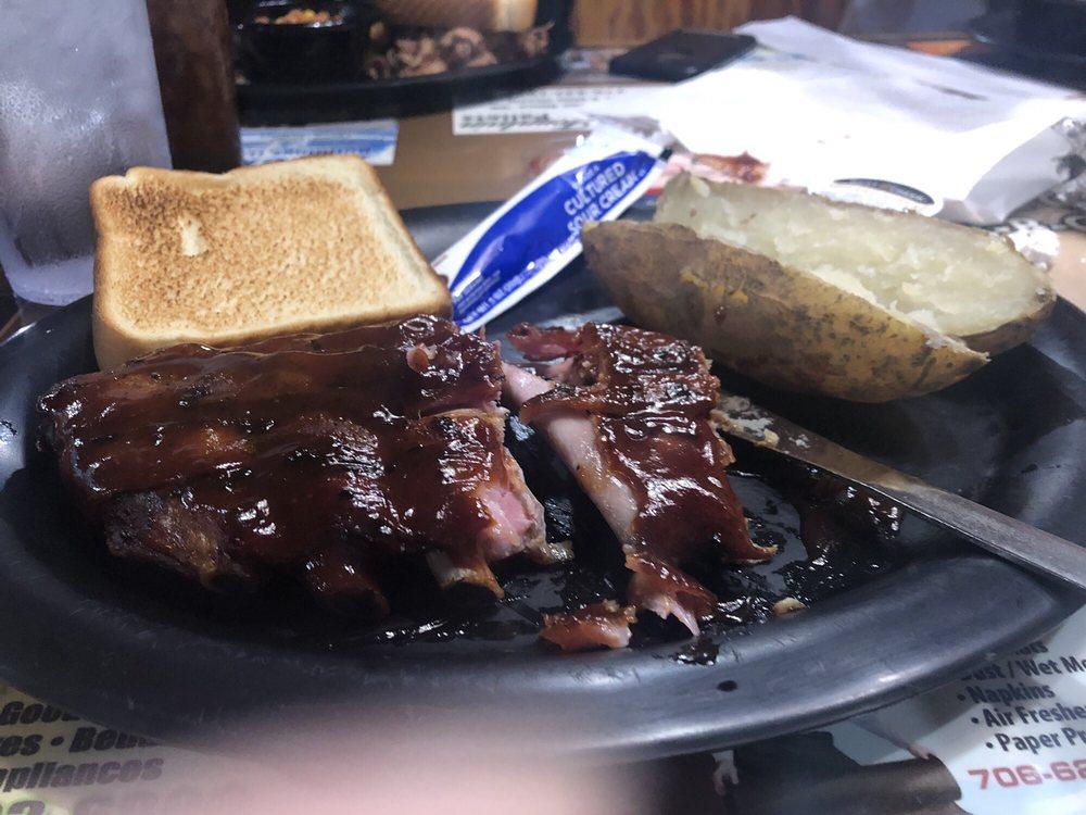 Dub's High on the Hog BBQ and Grill: 349 S Wall St, Calhoun, GA