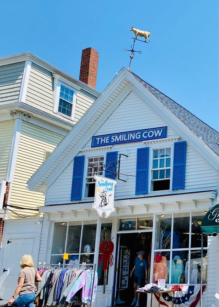 The Smiling Cow: 14 Commercial St, Boothbay Harbor, ME