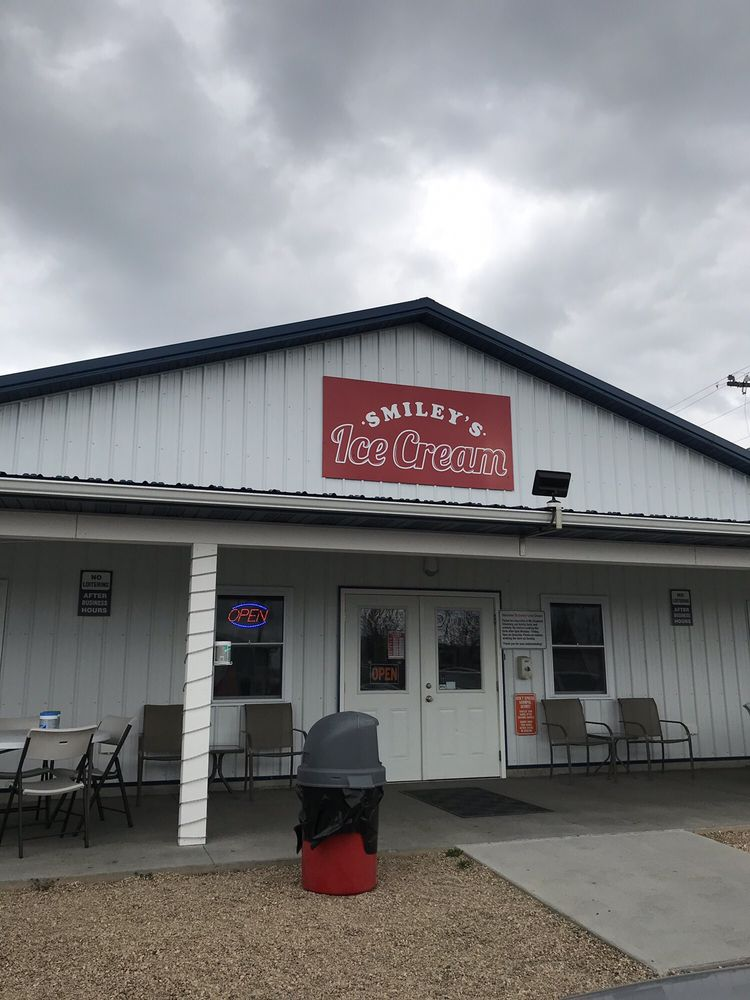 Smiley's Ice Cream: 797 Old Bridgewater Rd, Mount Crawford, VA