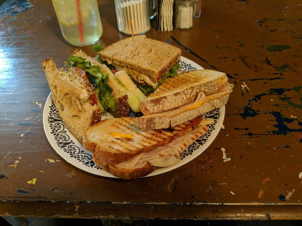 Blueberry Cafe: 1113 G Ave, Douglas, AZ