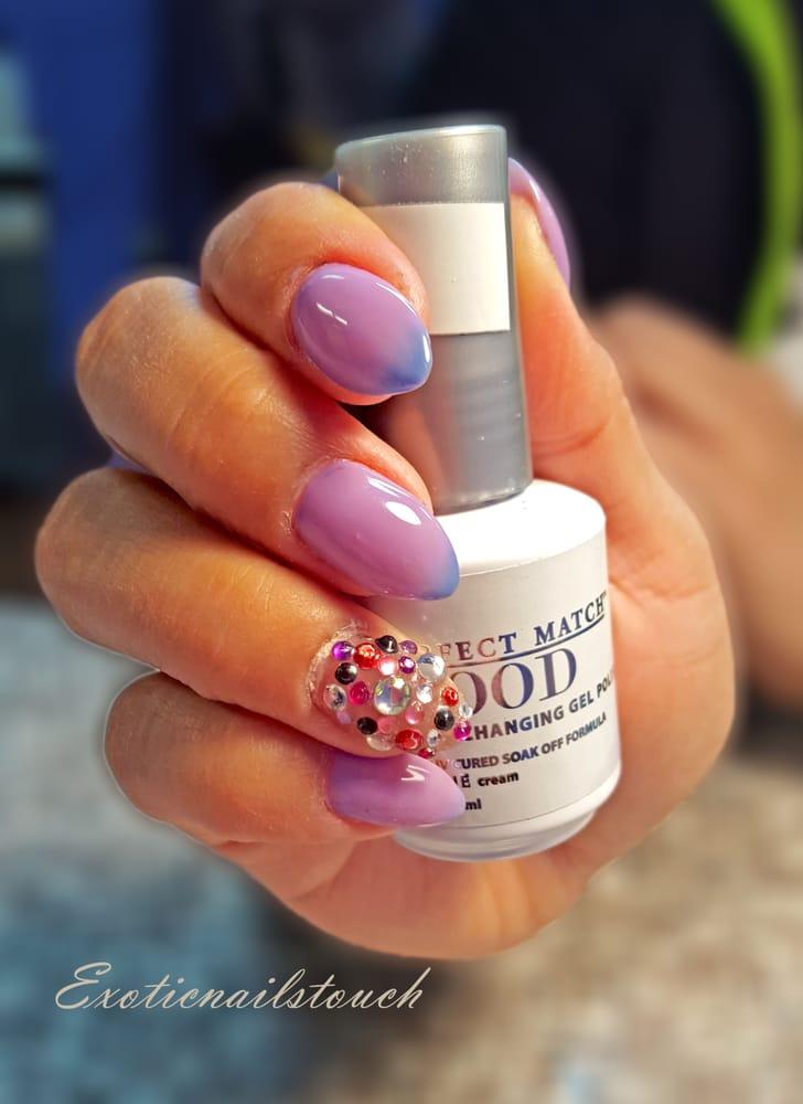 Mood changing gel polish over almond nails - Yelp